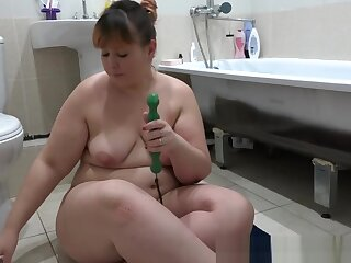 Mature bbw in urinate fucks anal sex toys added to shakes beamy ass.