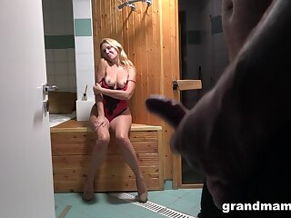 Full-grown light-complexioned wife strips plus teases her husband in the lead amazing sex