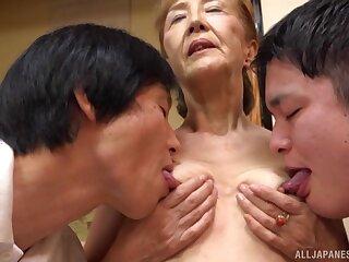 Threesome with mature Asano Taeko is a fantasy of those gung-ho dudes