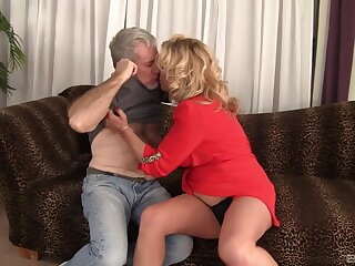 Fat adult Karen Summer drops her wheeze crave to be fucked good