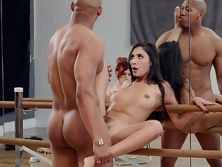 Molly Stewart watches as A dancer Gianna Dior fucks be worthwhile for a lead role