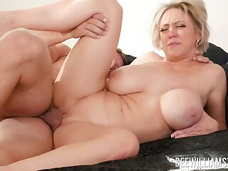 Mommy deserves the young dick humping her so fast