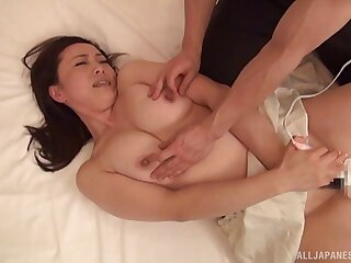 Smooth fucking on the bed with gorgeous Japanese Yurie Minamizawa