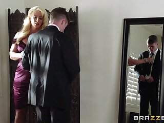 Mature blonde Alura Jenson spreads her legs for a younger lover