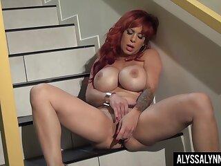 Juicy big boobed MILF bombshell Alyssa Lynn loves to masturbate with her toy