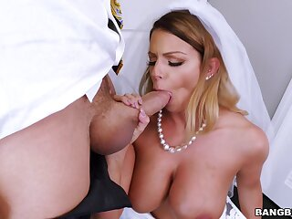 Meeting-hall everlasting sex on her wedding day without her future husband to know
