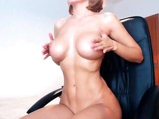 Big boobs milf masturbates thither the brush dildo