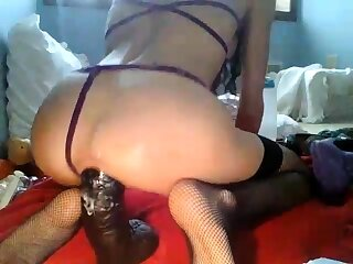 Milf arse full with beamy toys