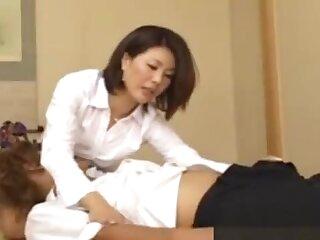 Japanese full-grown MILF giving doper