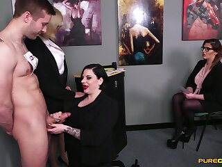 Naked man gets handjobs alien Amy Goodhead and her best friends