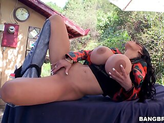 Hot as brunette Amy Anderssen opens toes to be fucked foreign behind