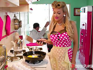 Ablaze and sexy blonde housewife Kayla Kayden wanna ride strong cock