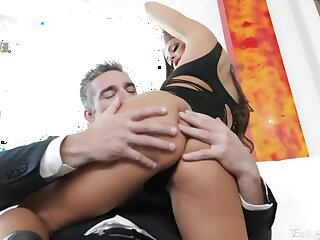 Having finished with a blowjob luring babe Charles Dera enjoys cock scenic route